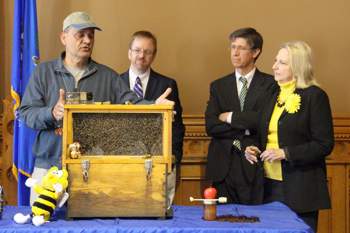 Rep. Demicco Legislation to Protect Honeybees